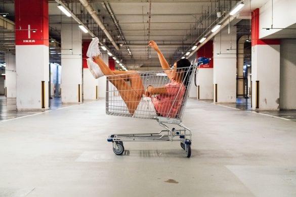 clovek-v-nakupnom-kosiku-co-nakupuju-slovaci