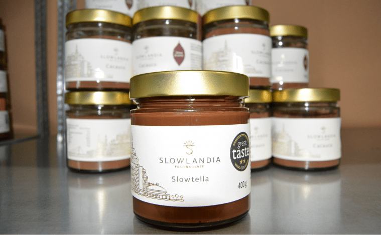 michal_repik_slowlandia_cokolada_slowtella_nutella_oriesky_produkt_nitra_slovensko